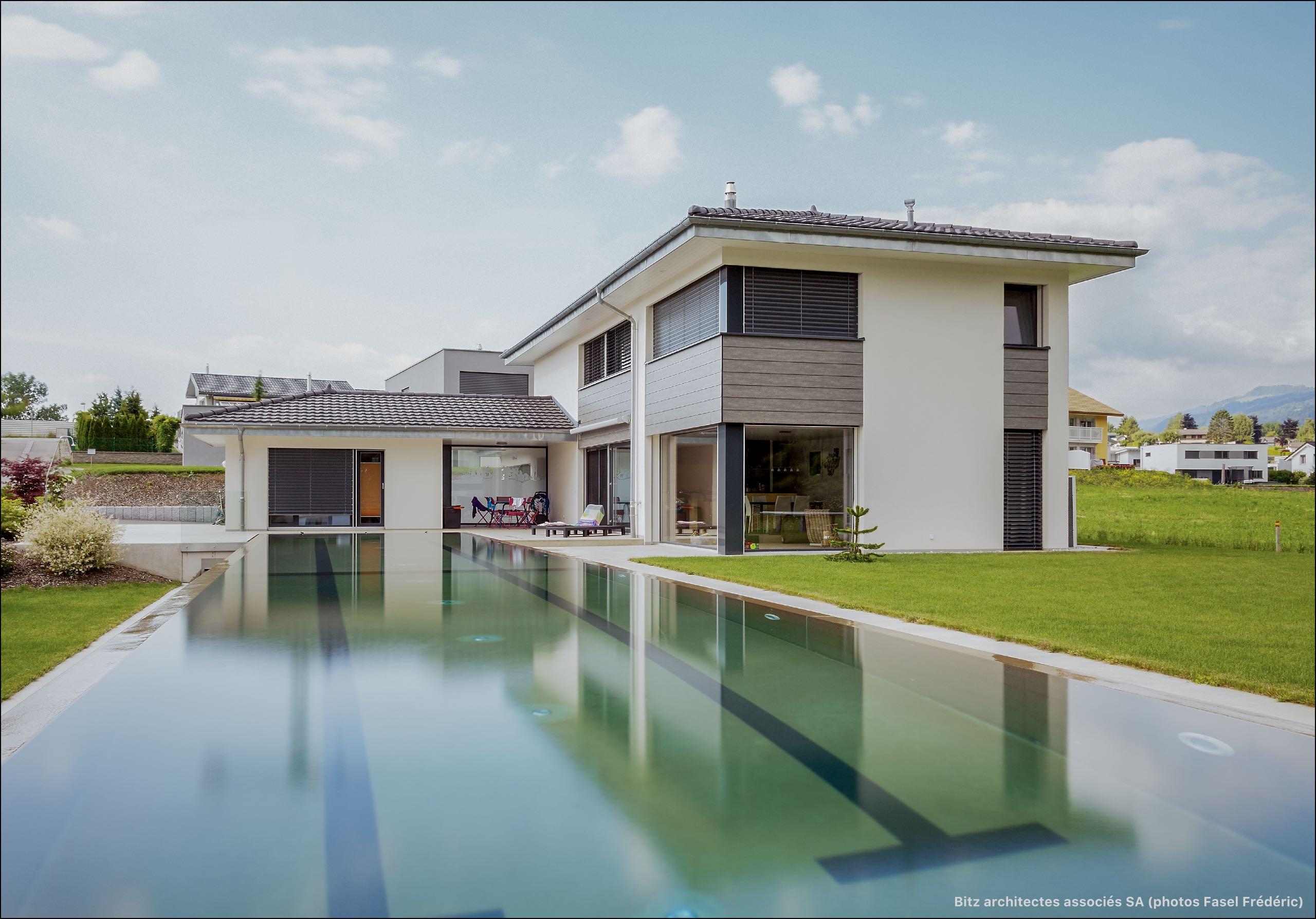 Zob bu habitation avec piscine de 25m bulle bitz for Construction piscine 25m
