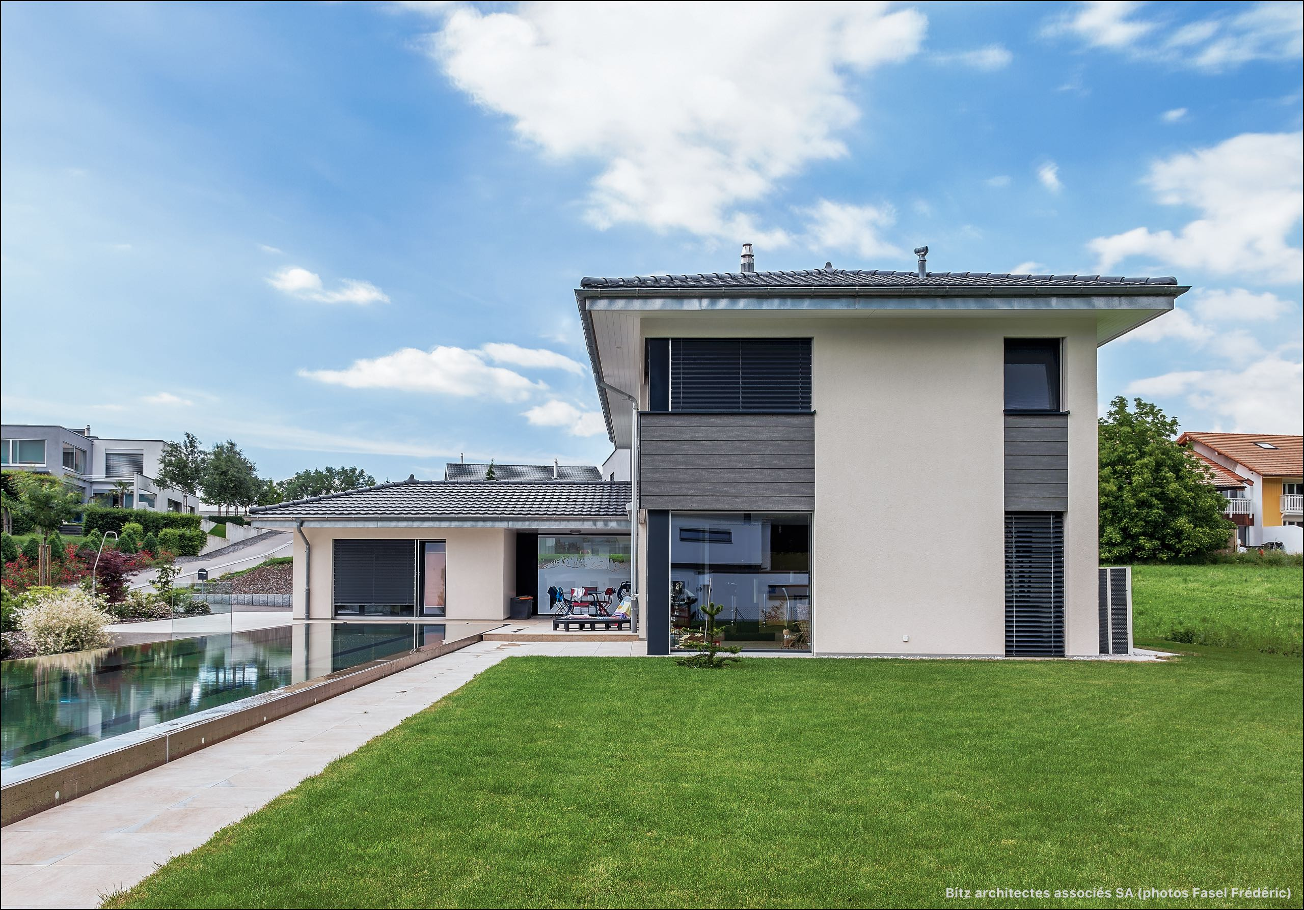 Zob bu habitation avec piscine de 25m bulle for Construction piscine 25m